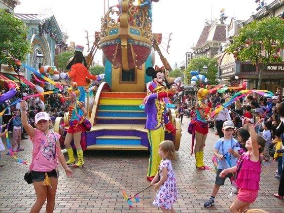 Disneyland Hong Kong Flights of Fantasy Parade