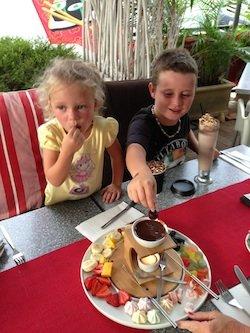 Khye and Tahni enjoy a fondue