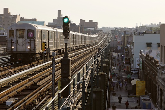 jackson_heights_7_train_01_joe_buglewciz
