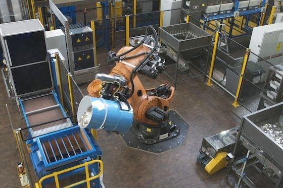 Titan the Robot (tipping)