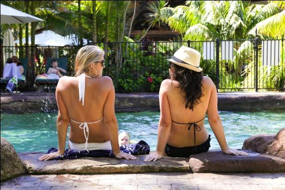 Ladies poolside2