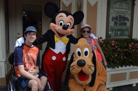 Hero Mickey and kids