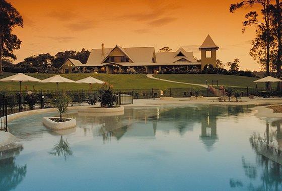 sunset resort pool_560x380