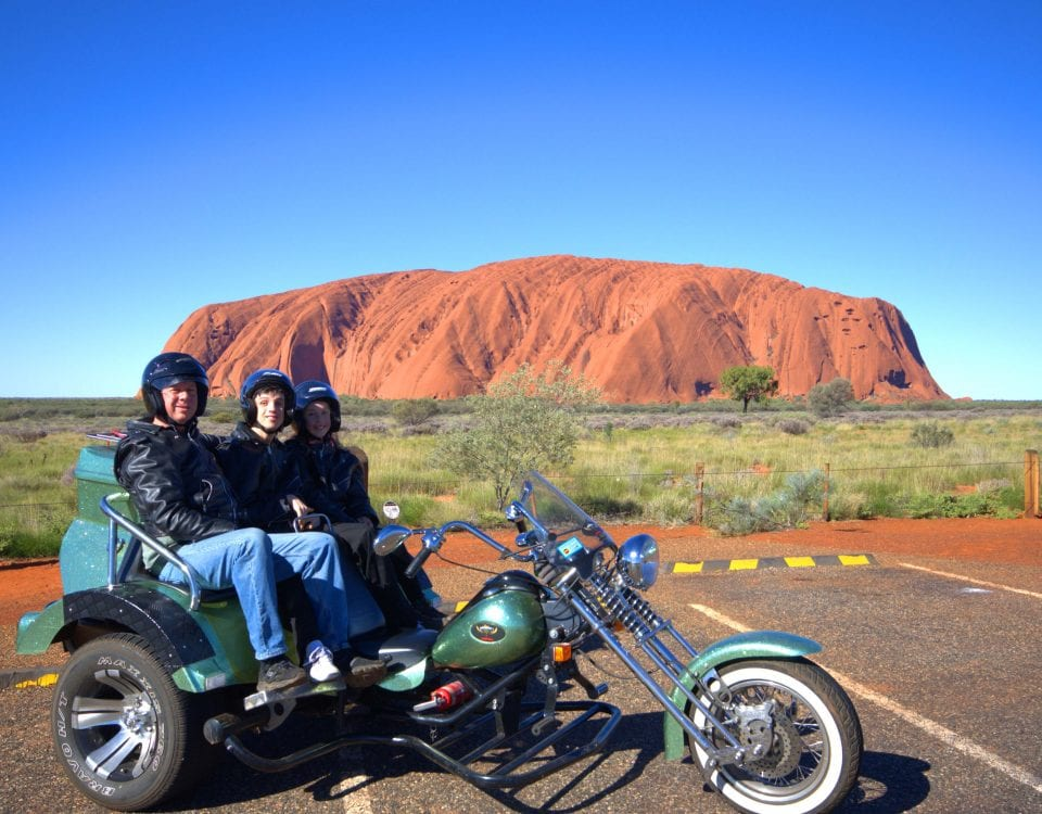uluru-cycles-tour-to-uluru