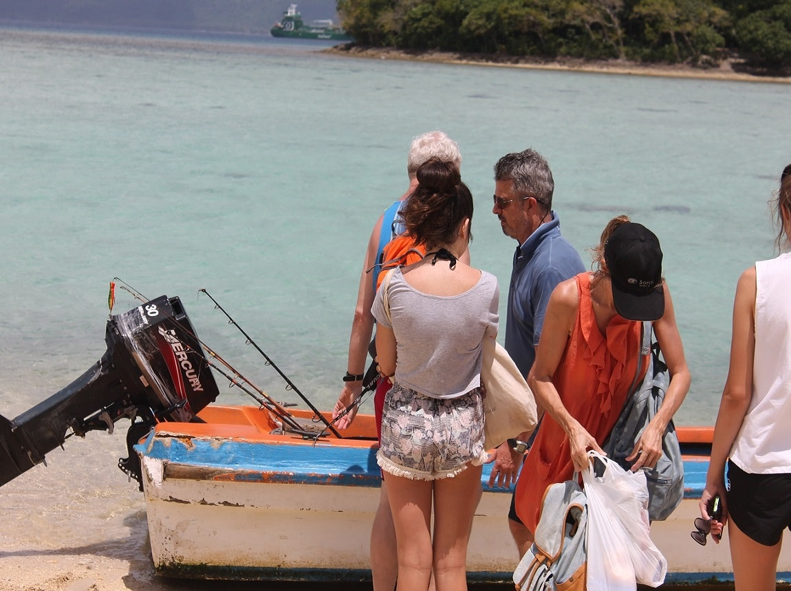 going-fishing-and-snorkeling-with-locals-oawk