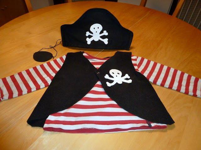 Kids DIY Pirate costume
