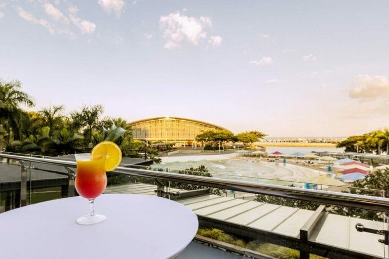 adina apartment hotel vibe hotel darwin waterfront conference room shipwreak balcony cocktail 03 2016 1024x683