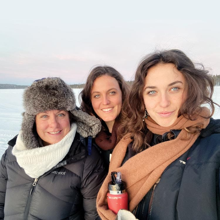 Elisa with her daughters Sam and Tori