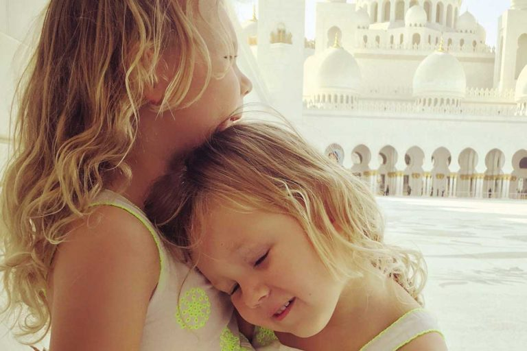 feature lotte and leni at zayed mosque