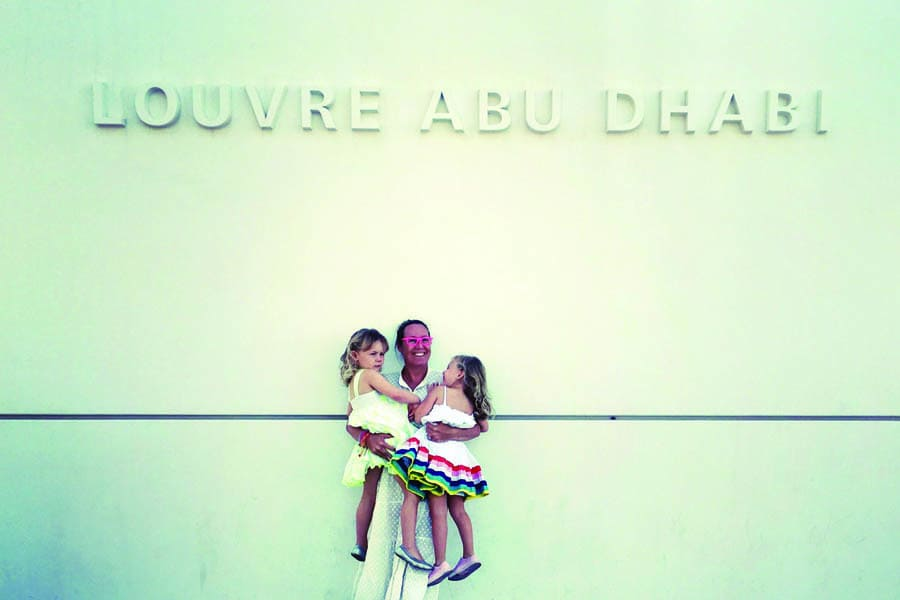 flip and the girls at the louvre abu dhabi 1