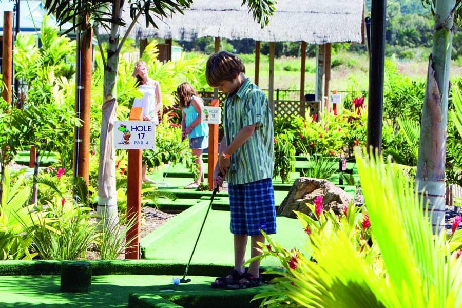 play mini golf at big4 adventure whitsunday resort