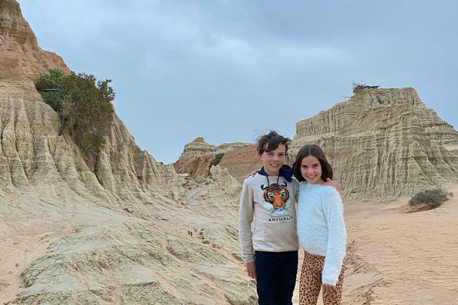 maya and remy in mungo national park