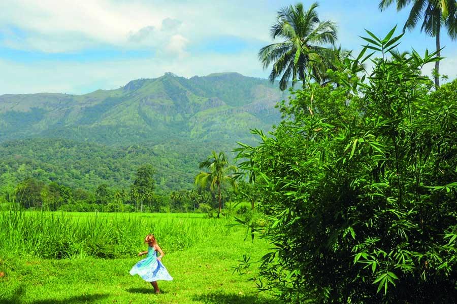 spinning in the green fields at jetwing kaduraketha in wellawaya