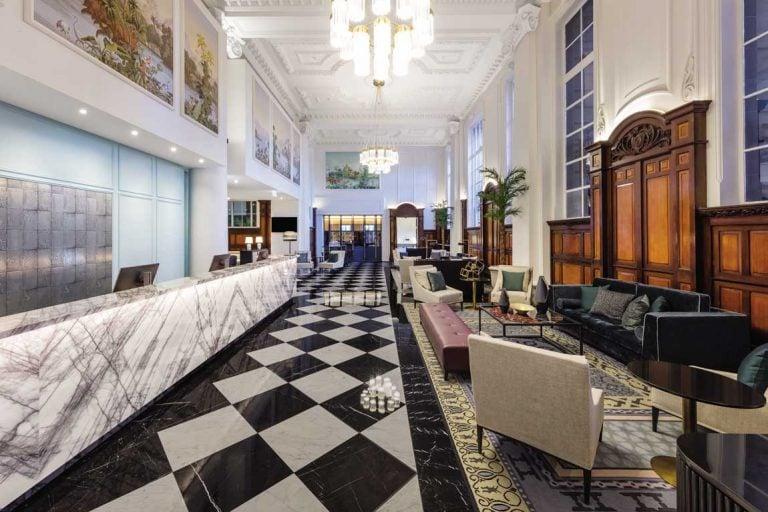 feature adina apartment hotel brisbane lobby