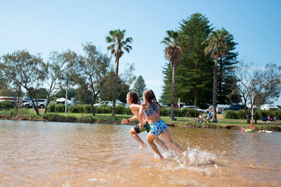 nrma sydney lakeside holiday park lagoon