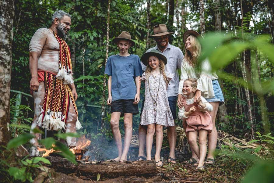 discover indigenous culture with pamagirri aboriginal experience at rainforestation nature park. ima