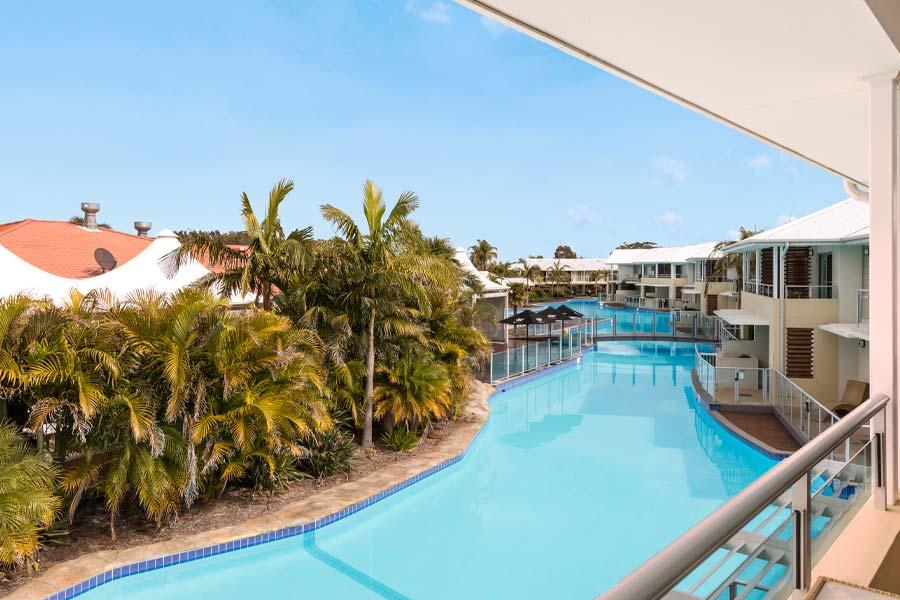 oaks resorts suites port stephens pacific blue2