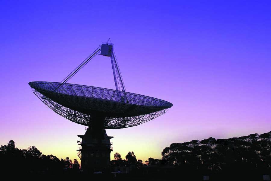 the csiro radio telescope at parkes in central nsw. image destination nsw