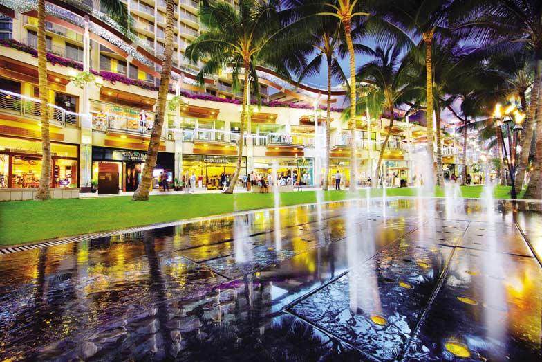 Waikiki Beach Walk 2